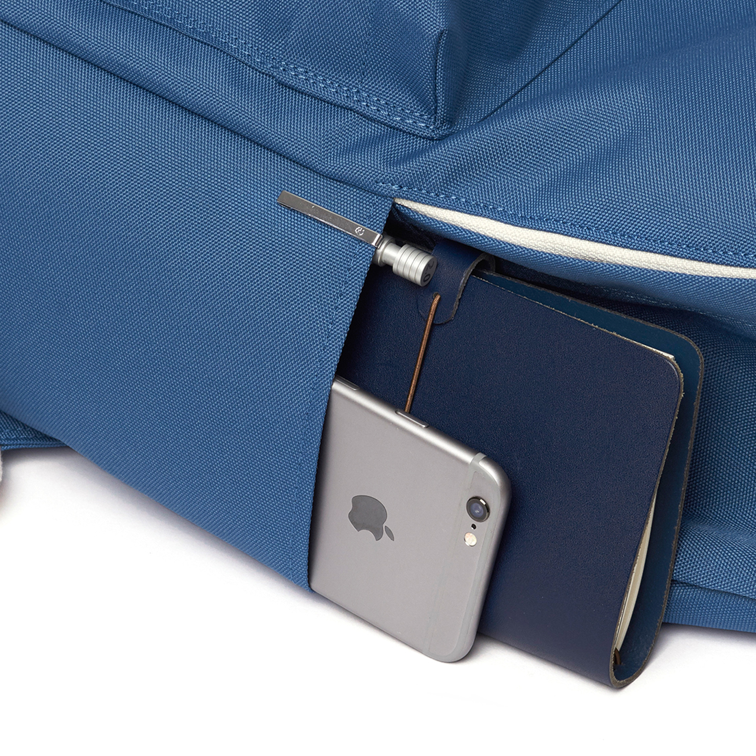 STANDARD BACKPACK / SOLID BLUE
